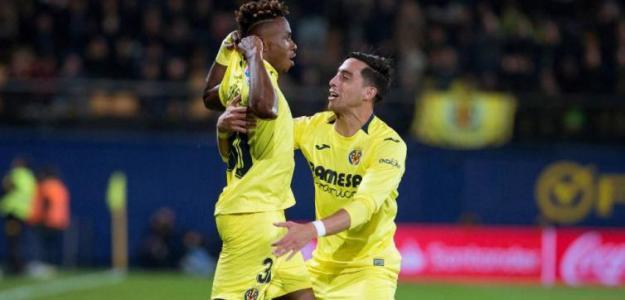 Chukwueze y Funes Mori celebran un gol (EFE)