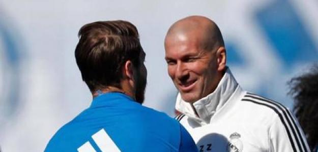 Sergio Ramos y Zinedine Zidane, en un entrenamiento del Real Madrid / Facebook.