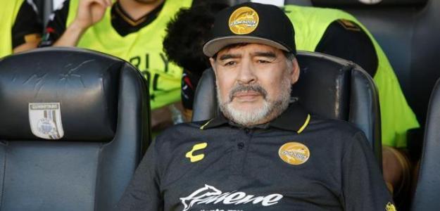 Diego Armando Maradona se ofrece para ir al Manchester United (EFE)