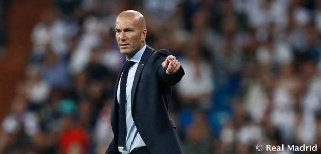 Zidane, durante un partido (Real Madrid)