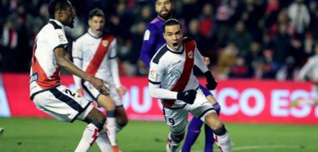 De Tomás celebra uno de tantos goles con el Rayo (EFE)
