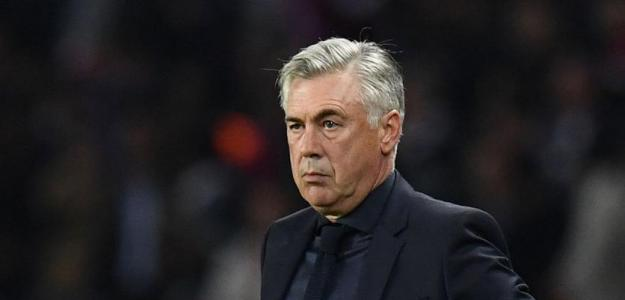 Carlo Ancelotti, dirigiendo al Nápoles / twitter