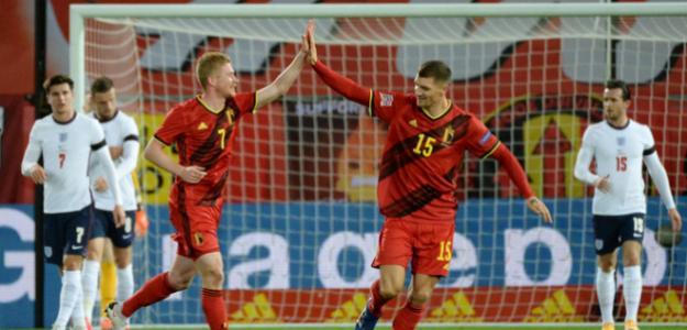 Los belgas, 'jugando' con los ingleses...