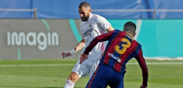 Benzema reparte que da gusto en el Camp Nou. Foto: defensacentral.com