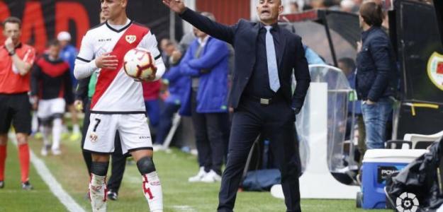 Alex Moreno en un partido con el Rayo / Twitter: @Moreno7alex