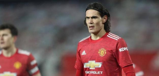 Sale un tercer equipo entre Boca y Manchester United para Cavani