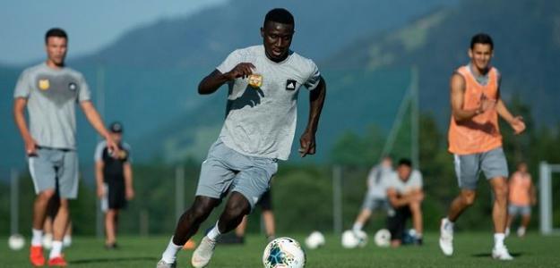 Lameck Banda en un entrenamiento con el Arsenal Tula. / twitter.com