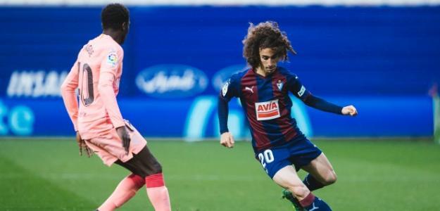 El error que comete el FC Barcelona con Marc Cucurella / SD Eibar