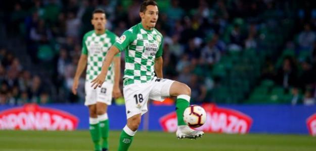 Guardado, durante el partido de esta noche (Real Betis)