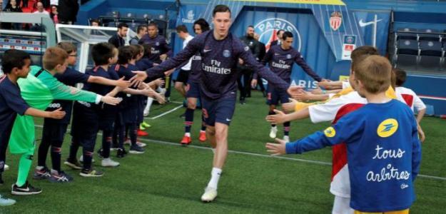 Los jugadores parisinos, antes de salir a calentar (PSG)