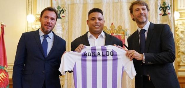 Ronaldo Nazário, en el centro / Real Valladolid.