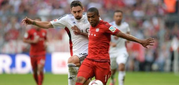 Douglas Costa se cansa de su situación en el Bayern / Elpais.com