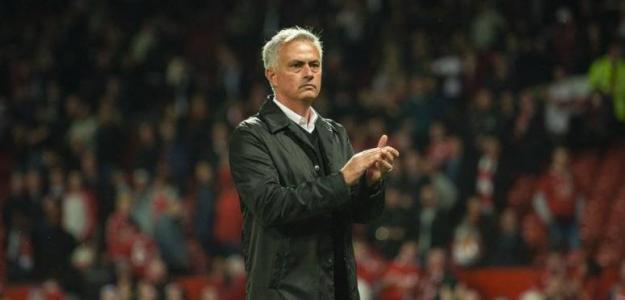 Mourinho, durante un partido (EFE)