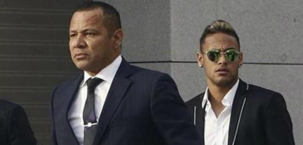 """El padre de Neymar amenaza al PSG: """"Nos hemos enfadado"""" / Twitter"""