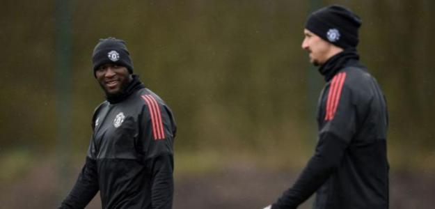 Lukaku e Ibrahimovic en un entrenamiento. / talksport.com