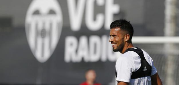 La inminente renovación de Garay con el Valencia / Twitter
