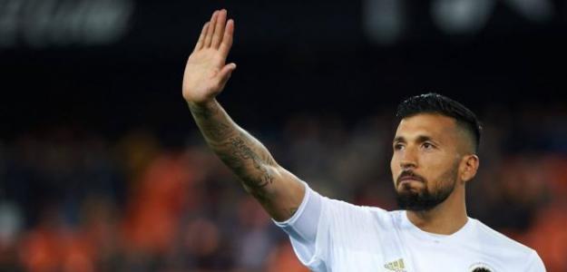 Ezequiel Garay, la opción a coste cero que gusta a Monchi en el Sevilla