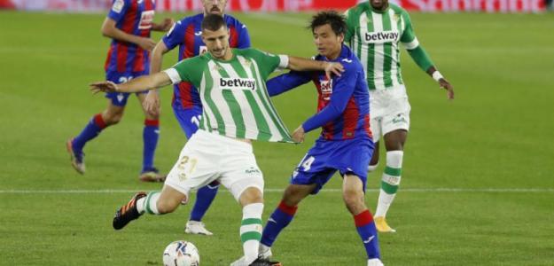 El Betis libera una ficha de extracomunitario para enero. Foto: marca.com