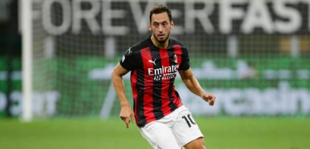 AC Milan: Los tres posibles reemplazantes de Calhanoglu