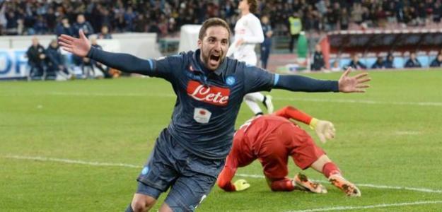 En el Nápoles se recuerdan sus 36 goles en una temporada.