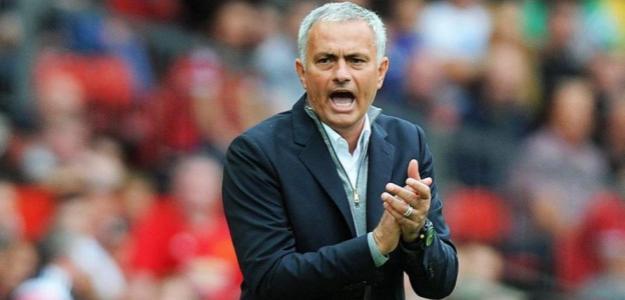 Mourinho, durante un partido (Agencias)