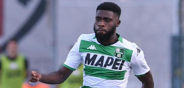 Jeremie Boga entre dos grandes de la Serie A | FOTO: SASSUOLO