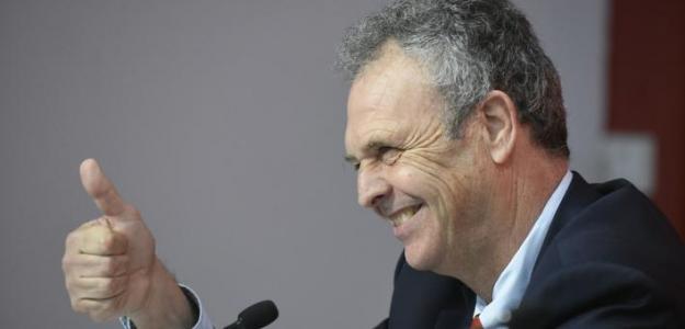 Joaquín Caparrós en rueda de prensa. Foto: Sevillafc.com