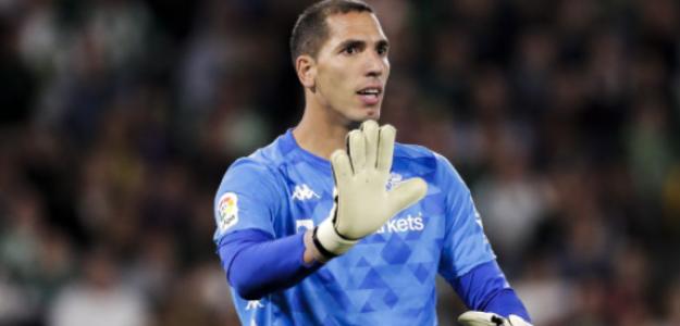"""Joel Robles, cerca de cerrar su salida al Real Valladolid """"Foto: El Desmarque"""""""