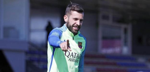 El FC Barcelona necesita reforzar los laterales urgentemente / FC Barcelona