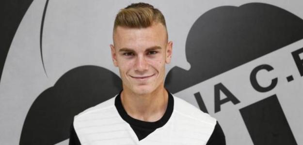 El Valencia anuncia la renovación de Toni Lato hasta 2023 / Twitter