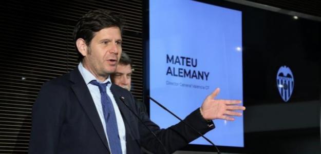 Mateu Alemany, director general del Valencia, en rueda de prensa / valenciacf.com.