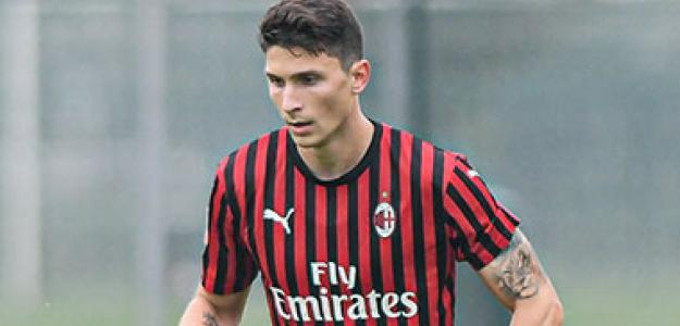"""""""OFICIAL: El Milan cede a Caldara al Atalanta. Foto: AC Milan"""""""