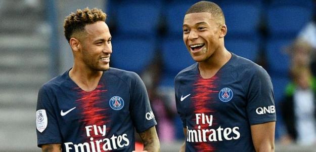 Mbappé junto a Neymar / PSG