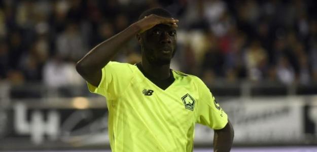 Nicolas Pépé, celebrando un gol con el Lille. Foto: Youtube.com