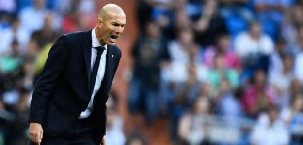 Zidane durante un partido del Madrid. / americatv.com.pe
