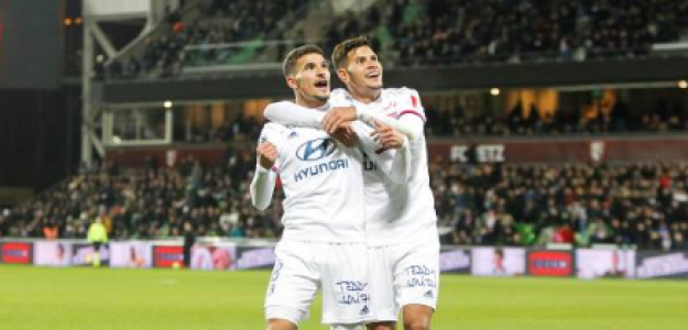 """""""Los tres medios del Lyon que ilusionan a toda Francia. Foto: Getty Images"""""""