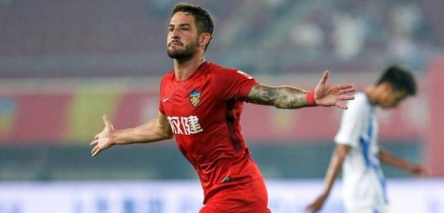 Once futbolistas 'top' que siguen sin contrato / Elcomercio.com