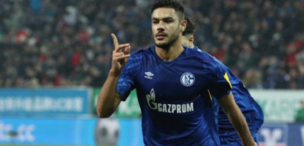 """""""El Liverpool apunta en su lista el nombre de Ozan Kabak. Foto: Getty Images"""""""