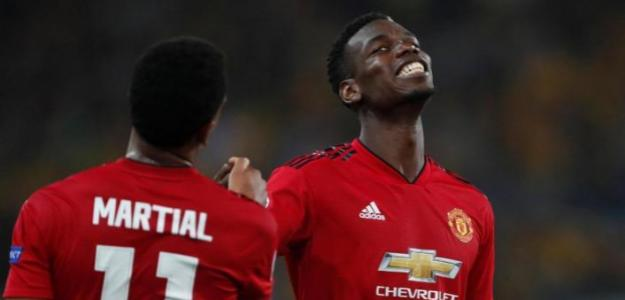 Paul Pogba, celebrando con Martial / twitter