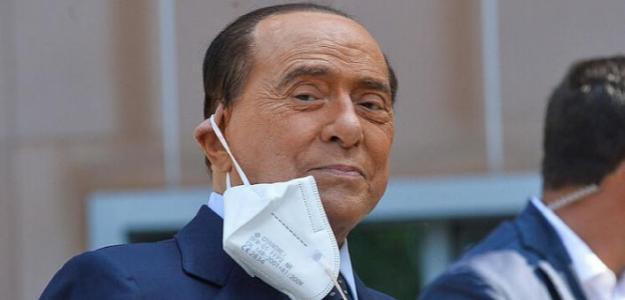 Rumores de fichajes: Berlusconi quiere un futbolista del Sevilla / Elmundo.es