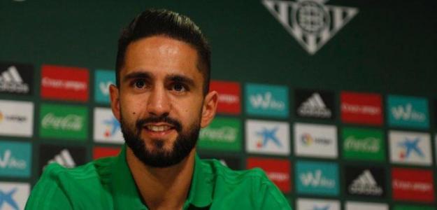 Ryad Boudebouz en rueda de prensa. Foto: RealBetisBalompie.es