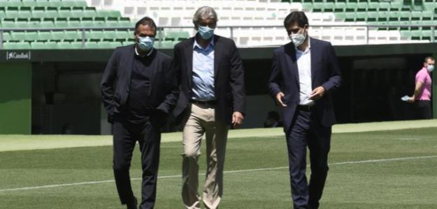 Los cuatro centrales que baraja el Real Betis. Foto: ElDesmarque