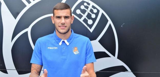 Theo Hernández en su presentación con la Real Sociedad