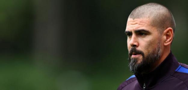 Valdés durante su etapa como entrenador del Barcelona. / lasexta.com