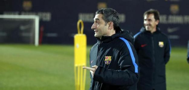 Ernesto Valverde durante un entrenamiento con el Barcelona / FC Barcelona