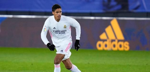 El Madrid escuchará ofertas por Varane y un grande de Italia se lo piensa. Foto: tntsports.com.br