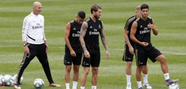 ÚLTIMA HORA del mercado de fichajes: El nuevo central que está en la mira de Zidane
