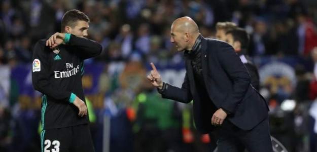 Kovacic y Zidane en un partido / Reuters