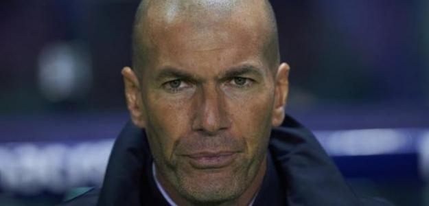 El mal partido del Madrid pone a Zidane en el punto de mira | MARCA