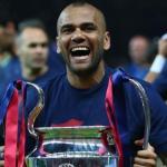 El Sevilla FC debe apostar por el regreso de Dani Alves a Nervión (UEFA)